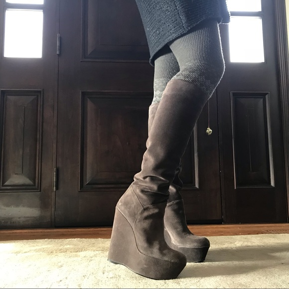 a5dc34a5746 Stuart Weitzman Gray Suede Wedge Boots
